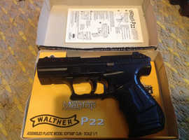 Walter P22 mag top air soft pistol 6mm in box