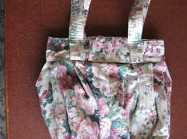HAND MADE KNITTING BAG BY SANDRA LODER 15 X 14 INCHES FLORAL PATTERN