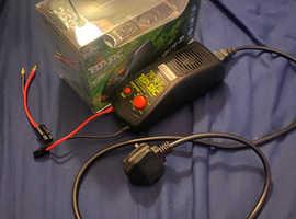 Basic Ni-MH/NI-CD Battery Charger