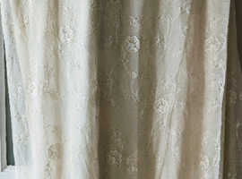 Cream net curtains 6.5m wide x 1.9m drop (approx)