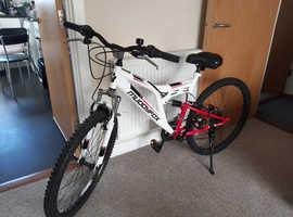 Ladies/teen muddyfox recoil 26 mountain bike like new
