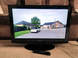 Lowry 32 inch LCD TV with Freeview