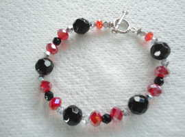 Handmade, Black & Red, Faceted Glass Bead Bracelet with Toggle Clasp