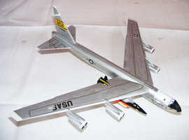 1:200th. Dragon. Boeing B52 Stratofortress & X 15.