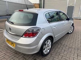 Vauxhall Astra, 2007 (07) Silver Hatchback, Manual Petrol, 120,957 miles