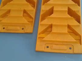 Levelling blocks used