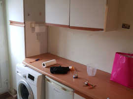 1 bedroom studio flat self contained with private parking in Luton, Beechwood area