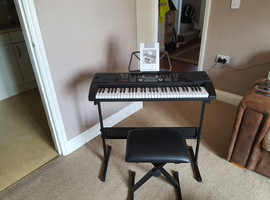 Zennox Full size 61 key Keyboard with stand and stool