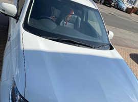 Mitsubishi Outlander, 2016 (16) White Estate, Semi auto , 037,154 miles