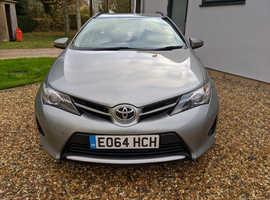 Toyota Auris, 2014 (64) grey estate, Manual Diesel, 117,000 miles