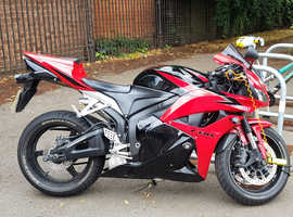 HONDA CBR600RR Incredible machine.