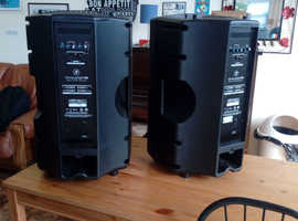 "Mackie Thump V2 15"" Powered Speakers"