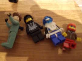 86 + LEGO MINIFIGURES 1979- PRESENT DAY + EXTRA'S