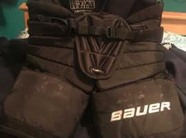 BARGAIN !! Bauer Supreme S190 Goalie shorts