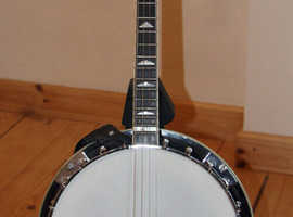 Gold Tone IT-250R short scale 17 fret tenor banjo with resonator, nearly new condition