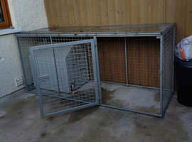 GALVANISED DOG PEN & DOG BOX