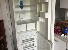 Daewoo frost free fridge freezer