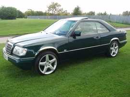 (RARE MERCEDES W124 E CLASS 2.2 AUTO 2 DOOR COUPE) STUNNING TOURMALINE MET GREEN FULL CREAM LEATHER 1995 N REG £3995 POSS P/X