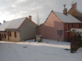 CHEAP FRENCH TOWN HOUSES FOR SALE IN AUXI-LE-CHATEAU - NORTHERN FRANCE.