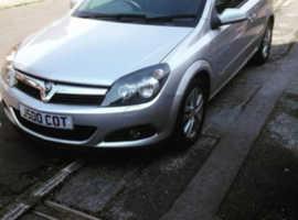 Vauxhall Astra, 2009 (59) Silver Hatchback, Manual Diesel, 74,000 miles