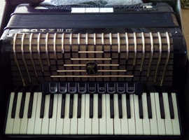 Hohner Atlantic 111 piano accordion