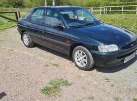 Ford Escort, 1996 (P) Green Hatchback, Manual Petrol, 29,790 miles