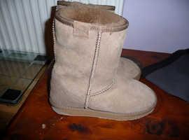 brand new emu boots womens size uk 4