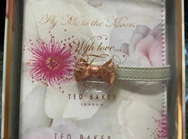 Brand-new Ted Baker document wallet