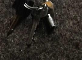 Keys found on Well Terrace