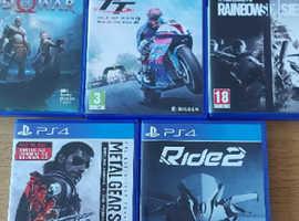 PS4 Pro 1TB Black + 8 games