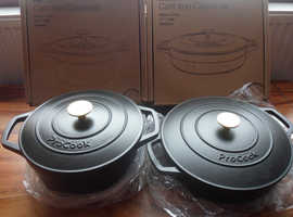 2 x ProCook cast iron casserole cookware