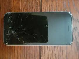 Broken screen on Apple iPhone s