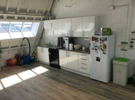 Top Floor Warehouse-Style Shoreditch Office EC1V - 15 people
