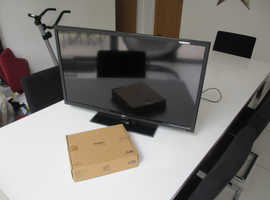 """32 """" HD READY LED TV WITH DVD PLAYER AND FREE WALL BRACKET"""