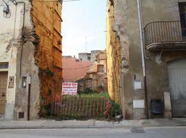 Building plot of 124.26 square meters, historic center of CASTELLO D'EMPURIES, CATALONIA, SPAIN