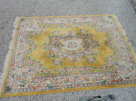 Quality , very large ( 12' x 9' ) vintage Chinese wool rug .