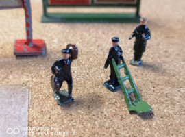 Wardie and Charbens OO Guage Railway Signs and figures