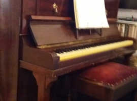 Upright piano - Free