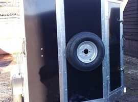 Box Trailer Tickners GT 8' x 5' x 5' in Black with Shaped Front & Door