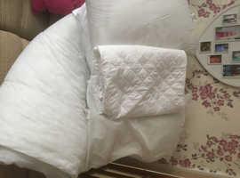 Double duvet, mattress protector & 4 pillows