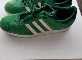 Addias gazelle trainers in classic green size 11