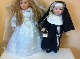 Nun with miniature bible and bride Pot dolls