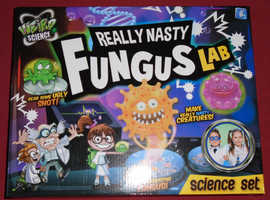 Weird Science 'Really Nasty Fungus Lab' Set (new)