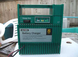 Halfords battery charger. Virtually unused.