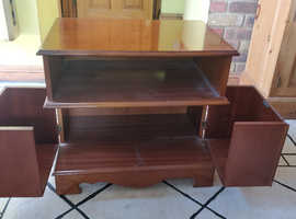 TV/Video cabinet