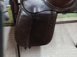 Barnsley brown show saddle
