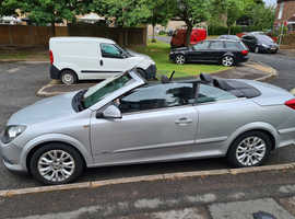Vauxhall Astra, 2010 (10) Silver Convertible, Manual Petrol, 28,000 miles