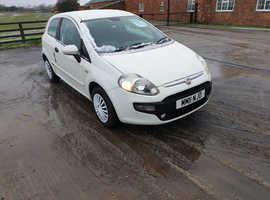 Fiat Punto Evo, 2011 (11) White Hatchback, Manual Petrol, 65,452 miles