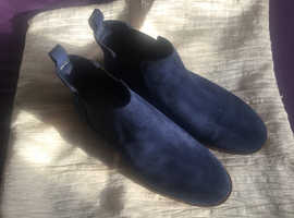 Clarks Navy Suede Chelse Boots NEW