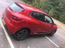 Renault Clio, 2014 (14) Red Hatchback, Manual Petrol, 124,519 miles